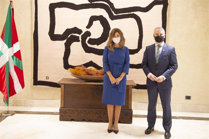 La ministra Yolanda Díaz refuerza la cooperación con Euskadi en la protección de las empresas y las personas trabajadoras